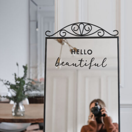 wst_hellobeautiful_1